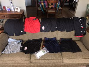 8 soccer youth shorts 1 Speedo adult medium size for Sale in Skokie, IL