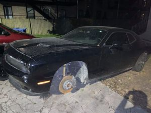 2018 Dodge Challenger scat pack for sale for Sale in Chicago, IL