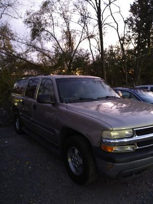 2003 Chevy Suburban 4x4 for Sale in Berwyn Heights, MD