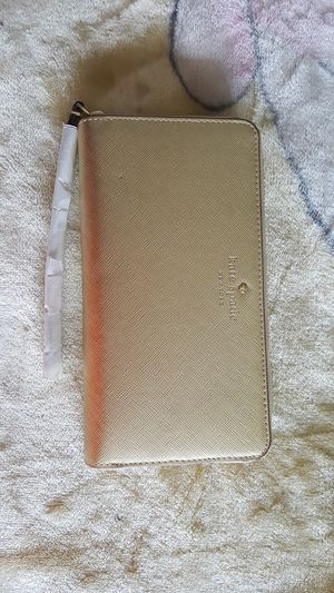 Kate Spade Gold Wristlet for Sale in Houston, TX