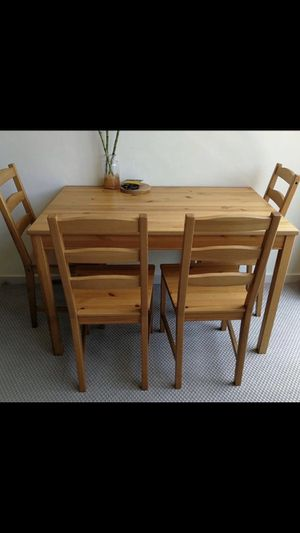 Solid Wood Dining Table Set with 4 Chairs 46x29x29 for Sale in Gardena, CA