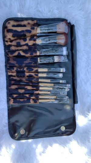 Beauty creations makeup brushes set leopardprint for Sale in Long Beach, CA