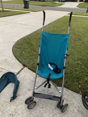 Umbrella stroller for Sale in Prairieville, LA