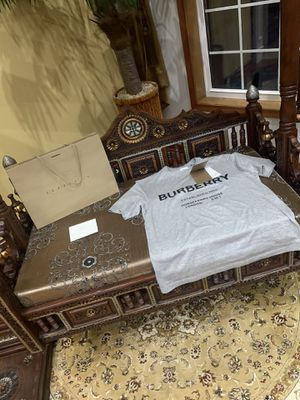 burberry shirt for Sale in Bloomingdale, IL