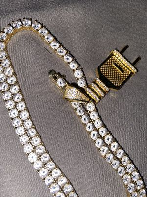 """18"""" chain valued at 300 for Sale in Columbus, OH"""