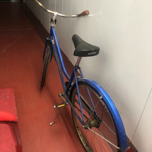 Vintage Schwinn Ladies Cruiser Bike for Sale in Columbia, SC