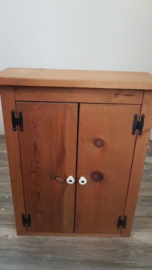 Bathroom storage cabinet for Sale in Riverview, FL