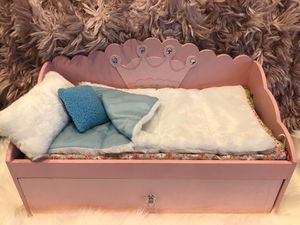 American Girl Doll, Our Generation, 18 inch Doll, Barbie Trundle Day Bed Pull Out!!! for Sale in Las Vegas, NV
