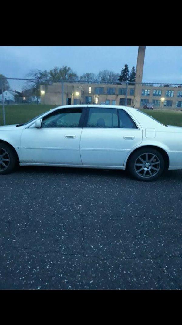 Cadillac dts 2006 clean runs good