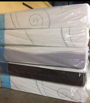 """Queen Size Memory Foam. 12"""" High Density Mattress. for Sale in Hialeah, FL"""