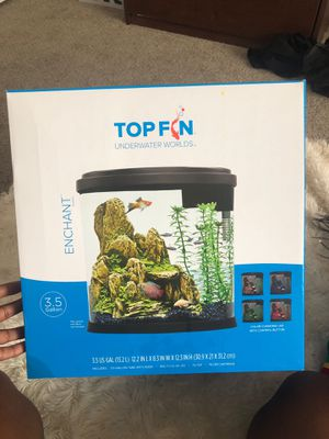 3.5 gallons fish tank with LED light and filter also Decor for Sale in Tempe, AZ