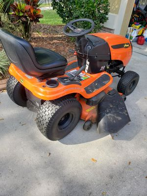 Craftsman lawn vacuum shredder and Tractor lawn for Sale in Valrico, FL