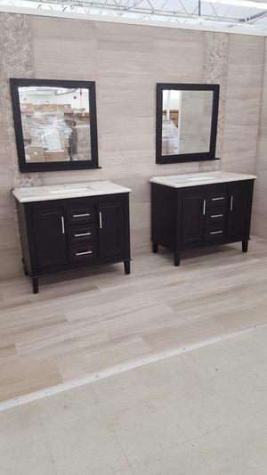 """40"""" Vanity ( With Top , Back Splash , And Mirror ) for Sale in Orlando, FL"""