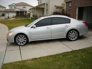 - Backup camera - Front camera 2007 Nissan Maxima for Sale in Laredo, TX