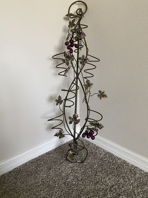 INVERTED METAL WALL MOUNTED WINE HOLDER for Sale in Port St. Lucie, FL
