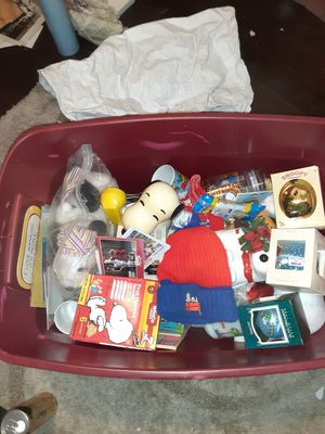 BUNCH OF SNOOPY AND PEANUTS COLLECTIBLES for Sale in Garden Grove, CA