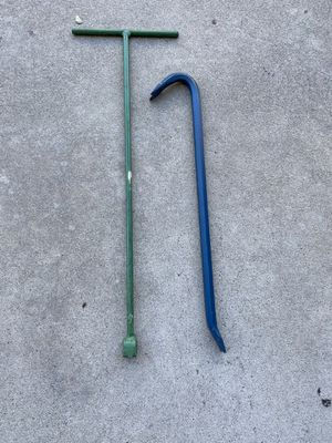 Water shut off tool and pry bar for Sale in Long Beach, CA