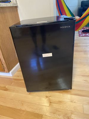 Mini refrigerator for Sale in Chantilly, VA