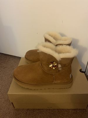 100% Authentic Brand New in Box UGG Mini Bailey Button Gem Boots / Women size 6, 7, 8, 10 / Color: Chestnut for Sale in Walnut Creek, CA