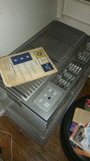 18,500 btu Air conditioner for Sale in Philadelphia, PA