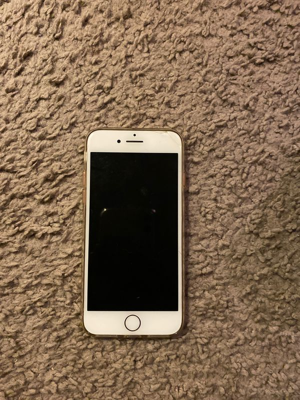 Iphone 7 Rose gold 32GB **Cracked**