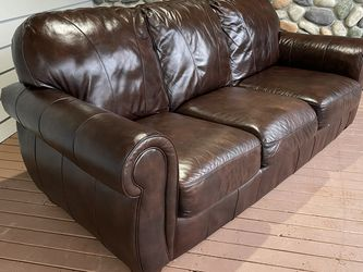 (Free Delivery) Brown Leather Sofa for Sale in Granite Falls,  WA