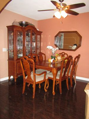 Vitrine China display cabinet ( light up) , Table, 6 chairs and mirror! for Sale in Los Angeles, CA