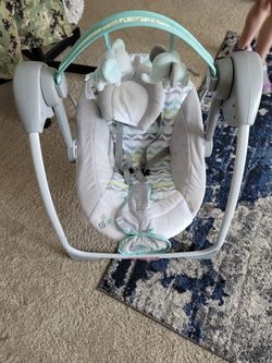 Mini Baby Swing for Sale in Silverdale, WA