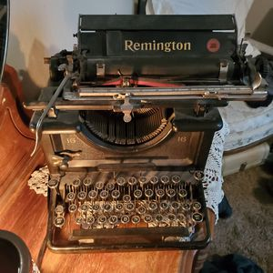 Antique Remington typewriter for Sale in Apache Junction, AZ