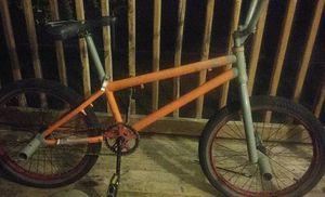 Mongoose elite series L60 with 15 tooth rear sprocket rims and tires march for Sale in Parkersburg, WV