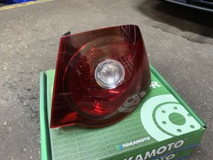 2007/2008 Volkswagen Jetta tail light for Sale in Freeport, NY