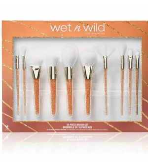 Wet and wild makeup brushes for Sale in Harlingen, TX