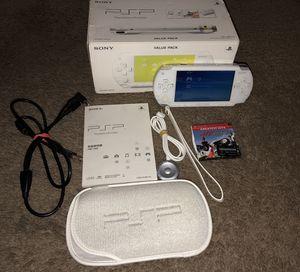 PSP w/ accessories for Sale in Miami Gardens, FL