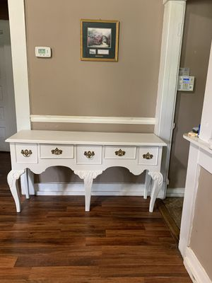 Solid wood French Country Table for Sale in Dexter, GA