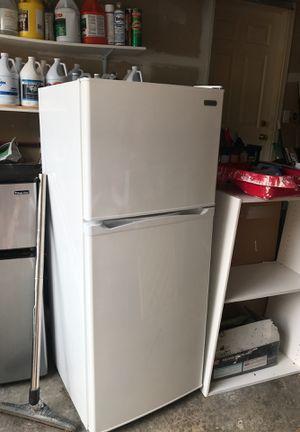 Median refrigerator for Sale in Bellevue, WA