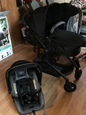 Evenflo pivot travel system for Sale in Huntington Park, CA