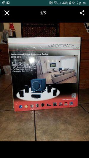 Audio profesional serie HRS-605 Es nuevo está en su caja for Sale in Huntington Park, CA