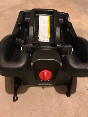 Graco Click connect car seat base for Sale in Rockville, MD