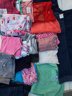 Girls clothes for 6/7 years for Sale in Garden Grove, CA