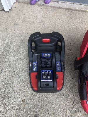 Britax B Safe Infant Car Seat and Base for Sale in Virginia Beach, VA