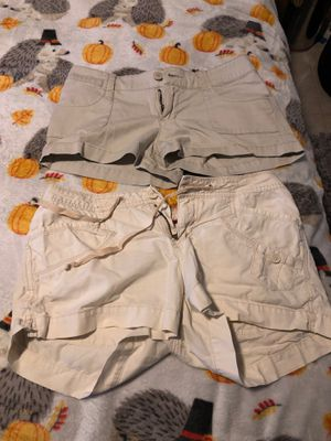 Tan shorts both 7s for Sale in Plant City, FL