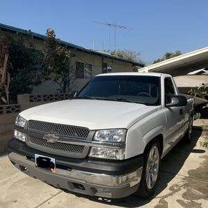 05 Chevy Silverado Single Cab for Sale in Ontario, CA