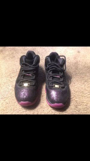 Air Jordan 11 Retro low Think 16 Rook To Queen for Sale in Las Vegas, NV