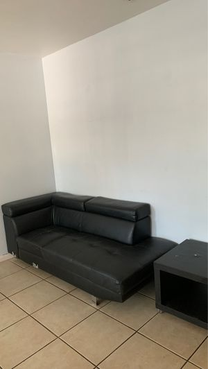 Free couch and side table for Sale in Fort Lauderdale, FL