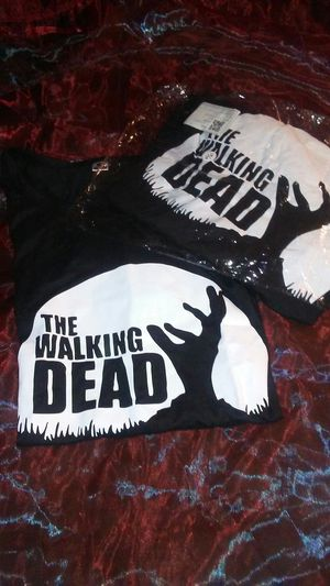 2 Walking Dead T Shirts for Sale in Cardington, OH