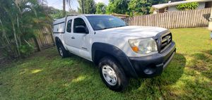 2008 Toyota tacoma ONE OWN like newy for Sale in Miami, FL