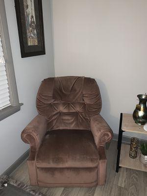 Soft suede recliner for Sale in Nashville, TN