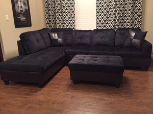 New black microfiber sectional sofa with storage ottoman and two free pillows. Can deliver for Sale in Vancouver, WA