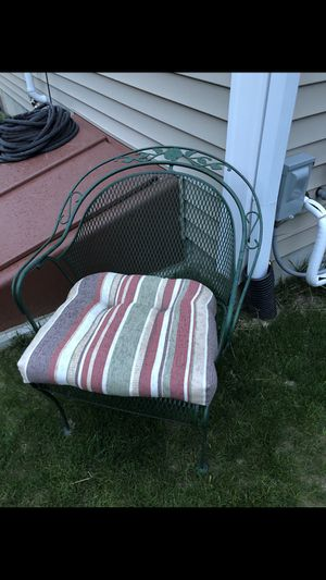 VINTAGE WOODWARD 1960s chair for Sale in Lincoln, RI