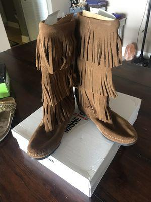 Minnetonka Fringe Boot size 8 for Sale in West Palm Beach, FL